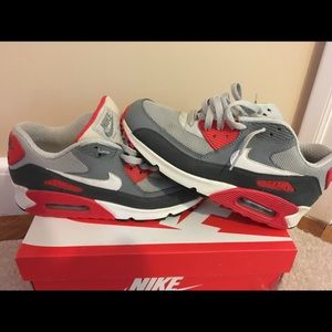 Nike Air Max 90 Red, Gray, White Colorway Size 8